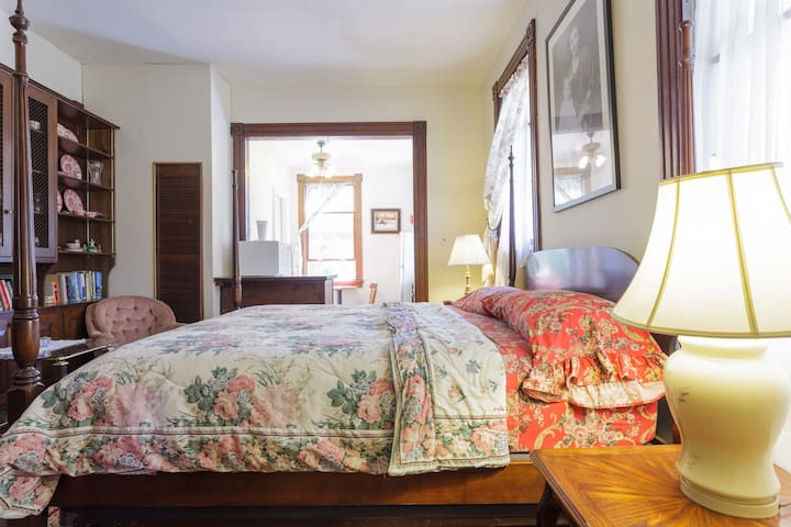 Private 1BR Apartment in Victorian. - Acton - Casa