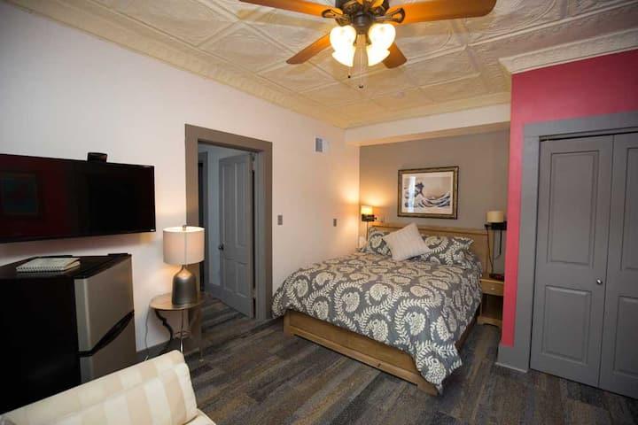 Queen Suite - Dodici Night Suites