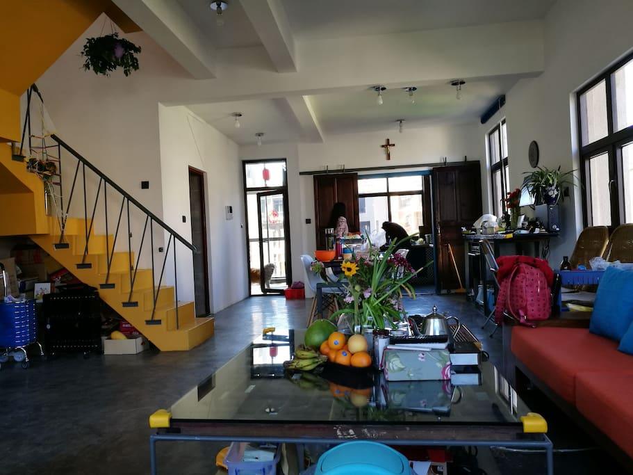 客厅厨房全景living room