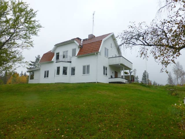 Disponentvilllan Lindshammar B&B - all 4 rooms