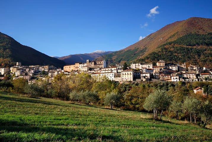 Italian Charm in the Foothills