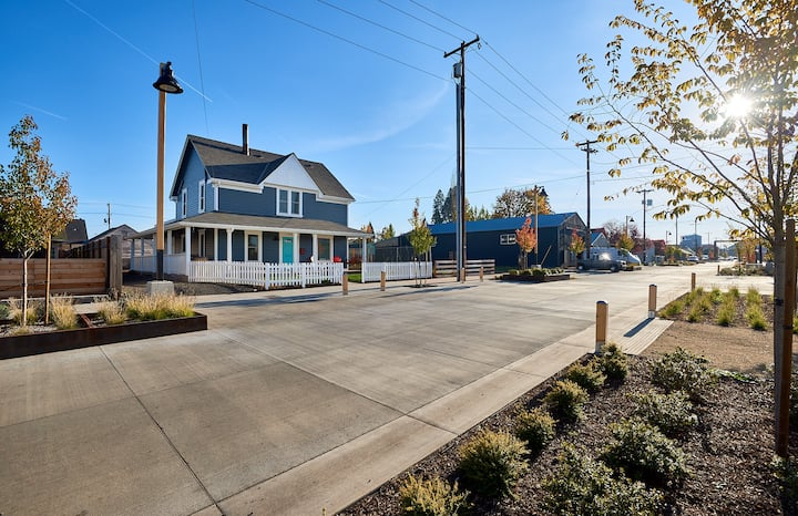 Modern Farmhouse in Historic Downtown McMinnville