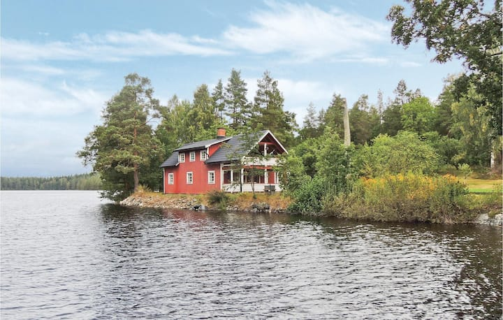 Awesome home in Högsby with Sauna, WiFi and 2 Bedrooms