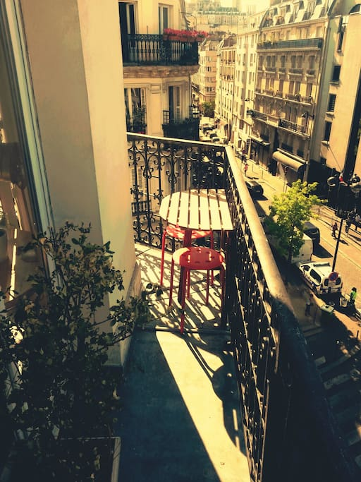 Our balcony with a view of Sacre Coeur.
