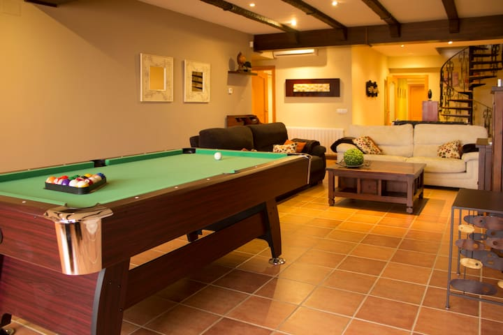 Luxury & 14pax & Snooker & Terrace & Near Valencia