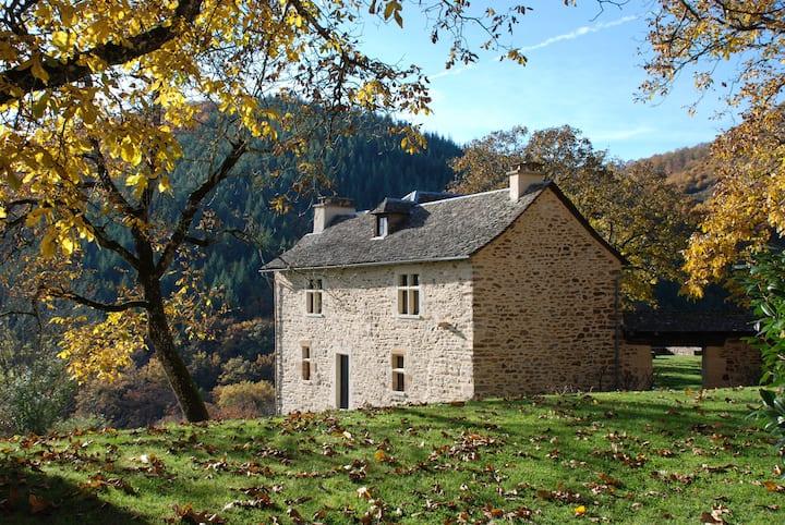 Maison indépendante dans un hameau sur l'Aubrac