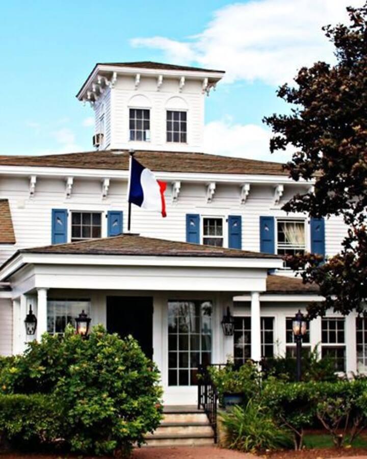 Tourterelle Restaurant and inn