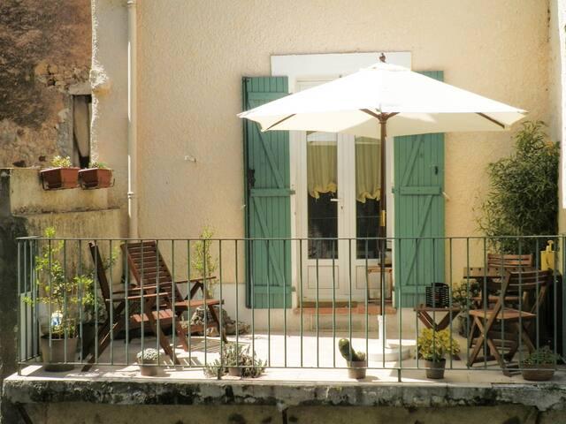 Gîte Lou Lavadou avec terrasse de 10 m²