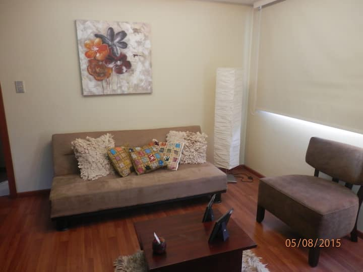 ALL FURNISHED APT- GREAT LOCATION!