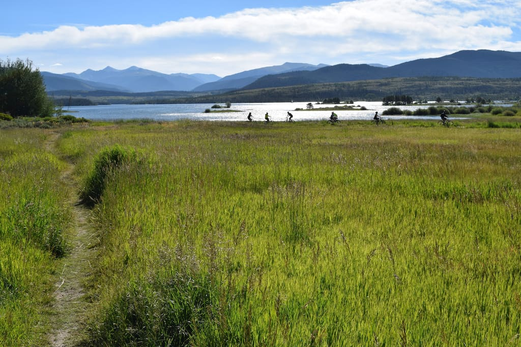 Trail down to Lake Dillon and the bike path. Easy walk with the Kayak available in the garage