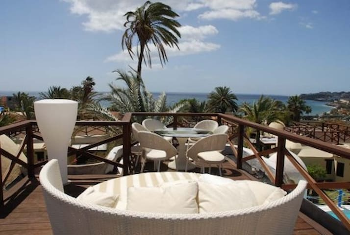 DESIGNER HOME WITH INCREDIBLE VIEW - San Bartolomé de Tirajana - Dom