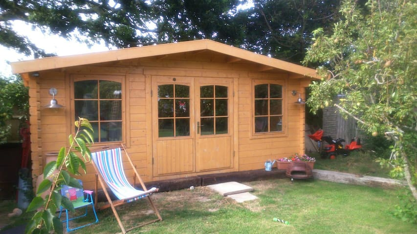 Cosy cabin nr Goodwood & Witterings - Chichester