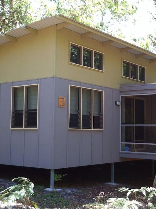 Cabin 5501, Couran Retreat, architect designed Eco-cabin set in the nature precinct of Couran Cove Resort