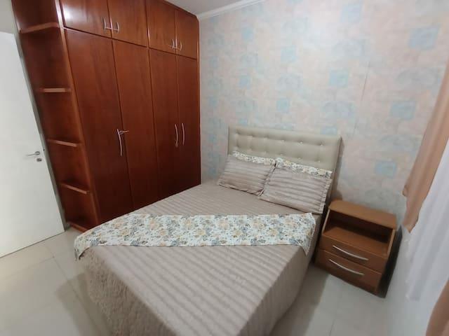 Quarto n. 2 com cama box de casal