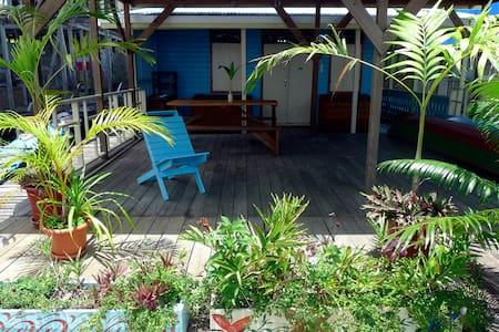 Jon´s Place Vista Mar over the sea! - Isla Colon - Apartmen