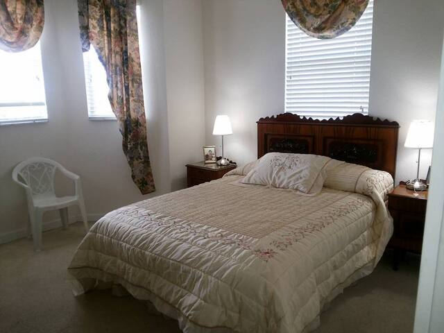 AMP Bed & Breakfast Third Bedroom - Miami - House