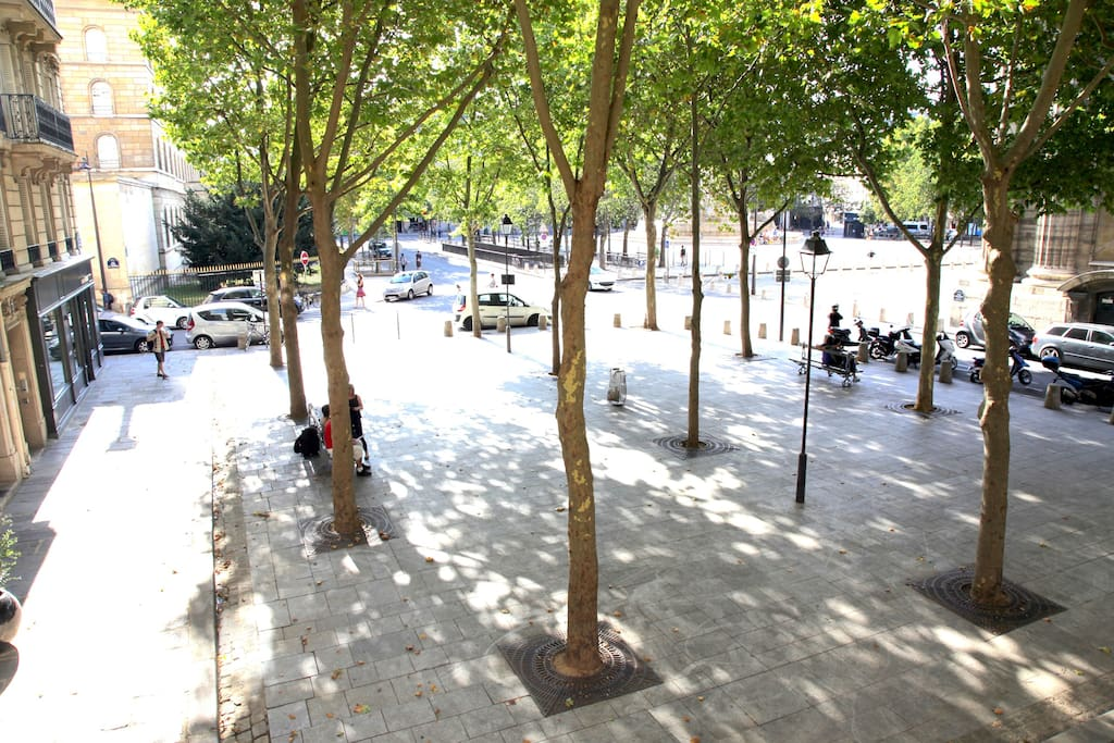 The view of the Saint Sulpice square and fountain from our living room.