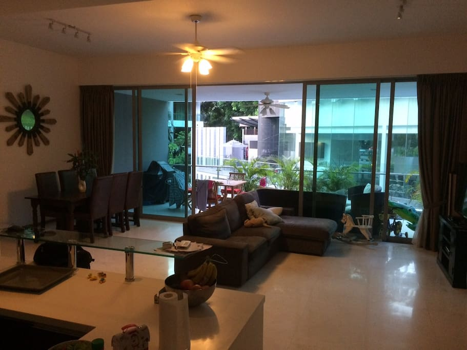 Large living area, including cable TV and open kitchen
