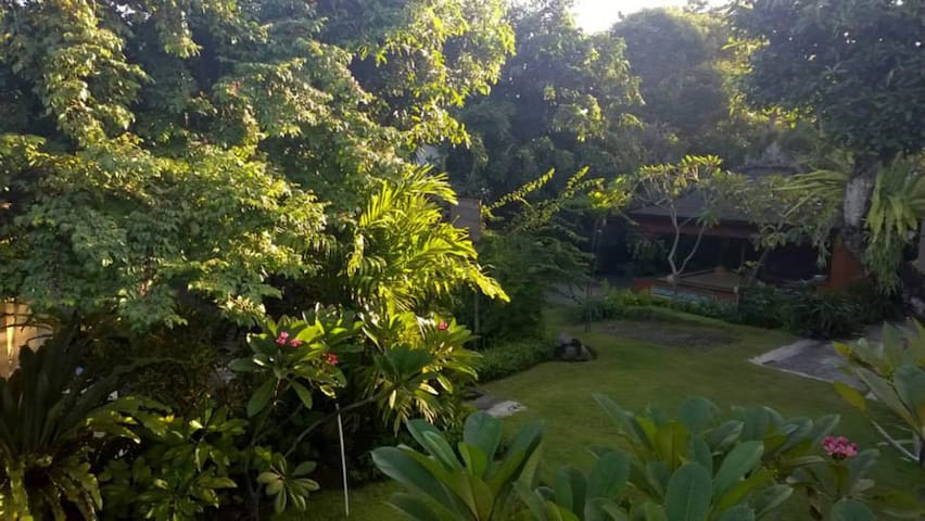 Canang Sari Homestay a Secret Garden ~ Ngurah - Denpasar - Bed & Breakfast
