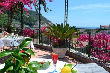 Camera Pasqualina Montagnella Relax - ไมโอริ - ที่พักพร้อมอาหารเช้า
