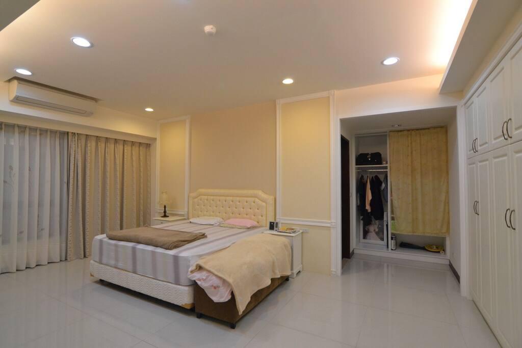 主臥室 ( Master bedroom )