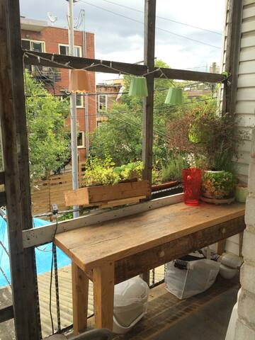 ROOM Cozy, older apt. Little Italy Monthly avail - Montréal - Wohnung