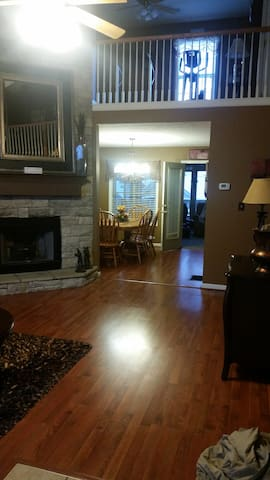Spacious, cozy home for you! - Lexington - Hus