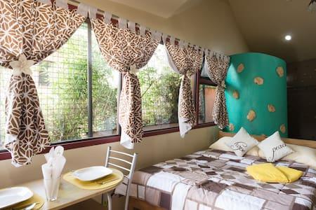 Unique Studio - Baguio City, - Banglo