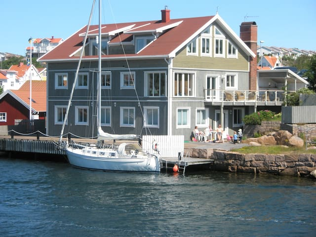 Seaside Bohuslän, private pier - Kungshamn - Apartment