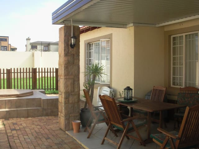 World Cup - Upmarket Home - Roodepoort - House
