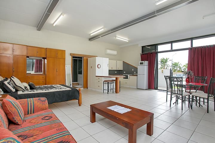 Affordable Studio Apartment Cairns - Cairns - Huoneisto