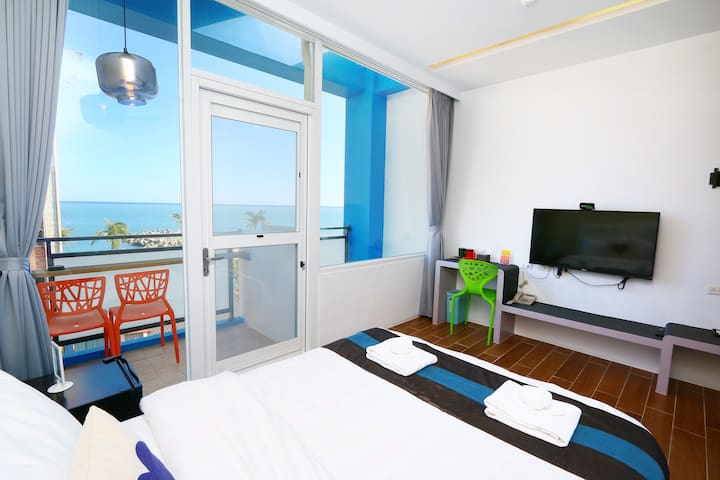 海景雙人房(A)-緊鄰市區的旅人窩 - Hualien City - Bed & Breakfast