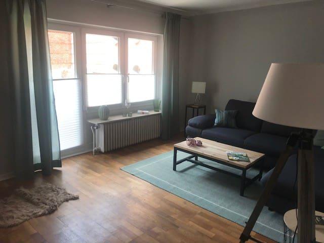 kleines Häuschen in idyllischem Kräuterdorf