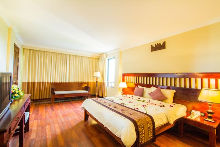 Superior Room Free Pick Up - Krong Siem Reap - Bed & Breakfast