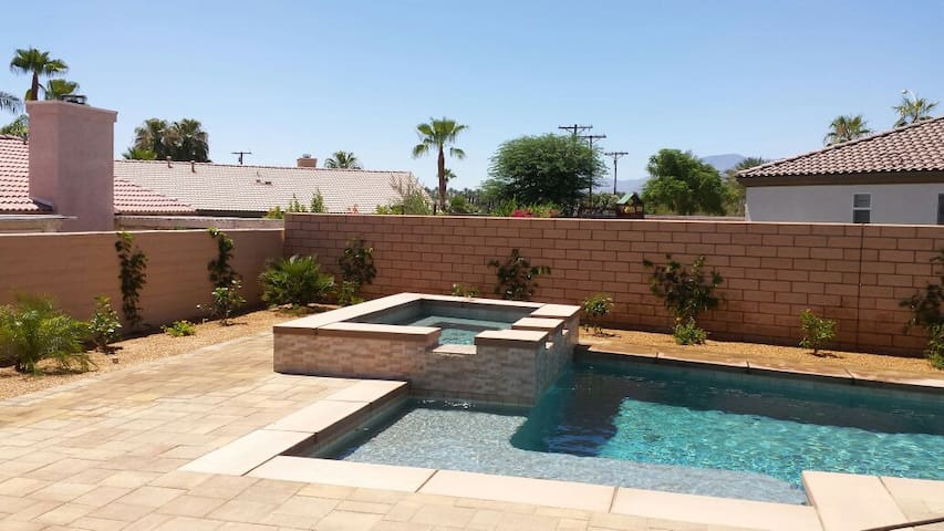 Private 2015 home pool spa walk to coachella houses for for Pool spa show 2015