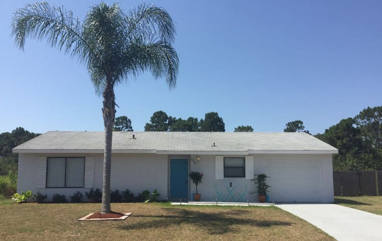 3br/2ba Home.. Minutes from Beach - Sebastian - Haus