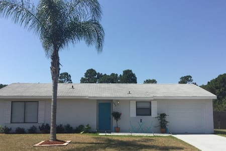3br/2ba Home.. Minutes from Beach - Sebastian