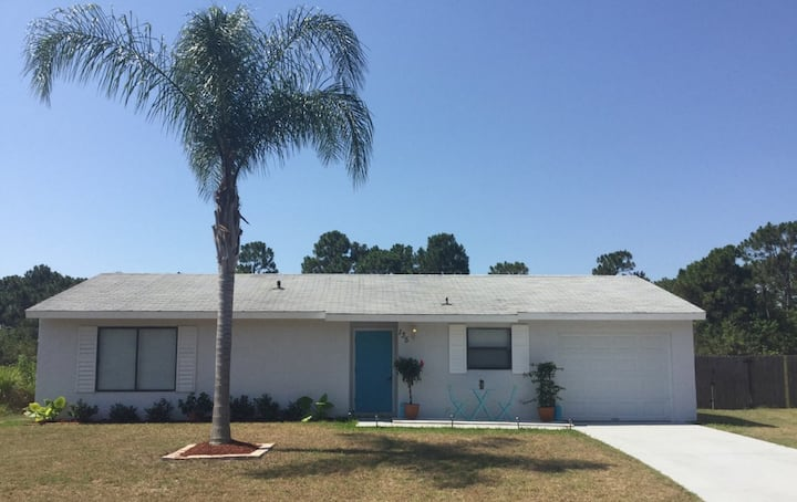 3br/2ba Home.. Minutes from Beach