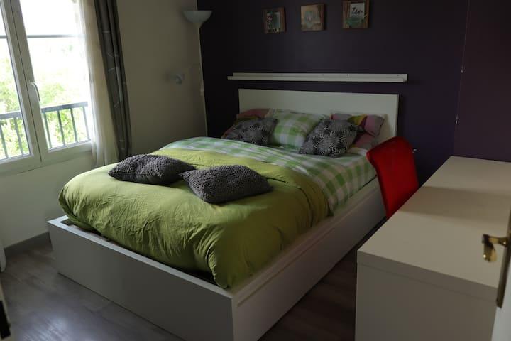 Ma GRACE-1 : Chambre avec lit double