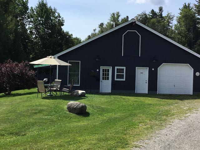 Barn Apartment with Mt. View's on 38 shared acres