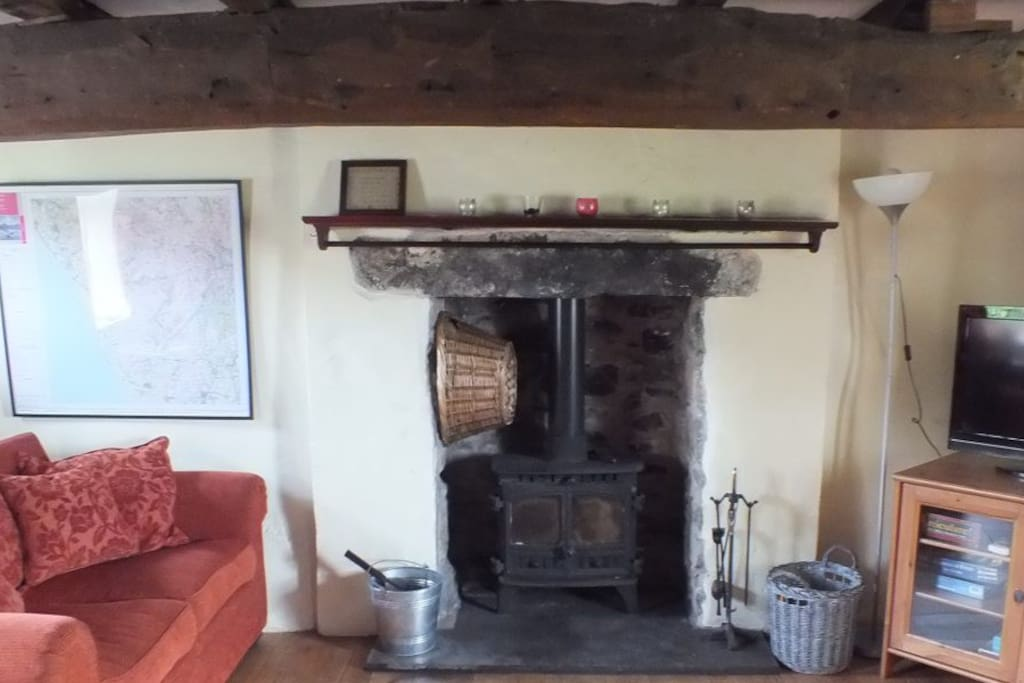 Log burner and full Sky HD TV package in the lounge