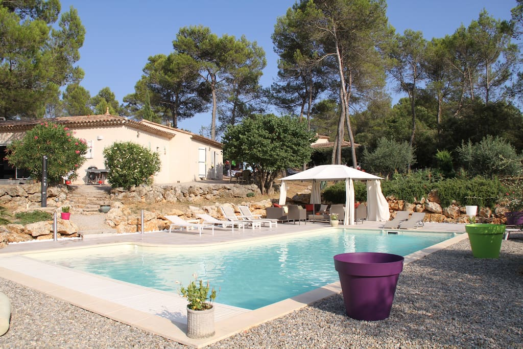 Villa les arcs draguignan piscine villas for rent in for Piscine draguignan