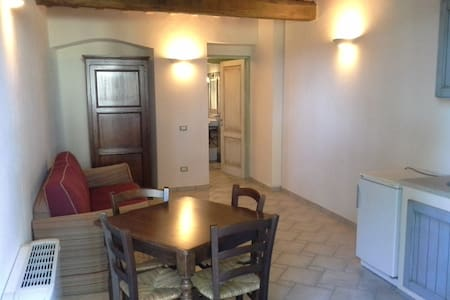 Holiday apartment in ancient house - Campiglia Marittima