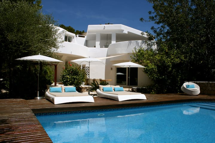 Luxury and see look with own pool - jesus - Casa