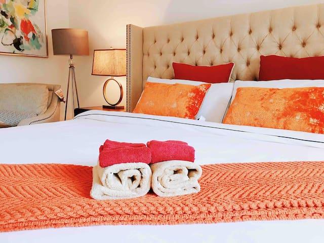 优妈小屋•2 king beds APT 2B1.5B close to DTLA &Disney