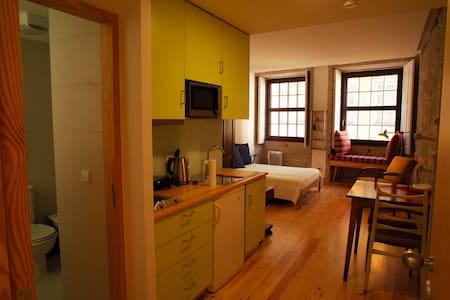 NEW 1 Bdr Vintage Comfort Studio