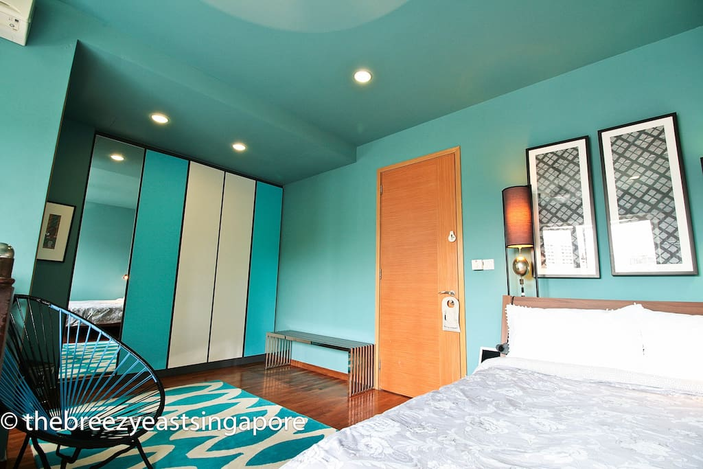 It has two queen-sized beds,a new double sofa/bed and an optional Airweave futon floor mattress.