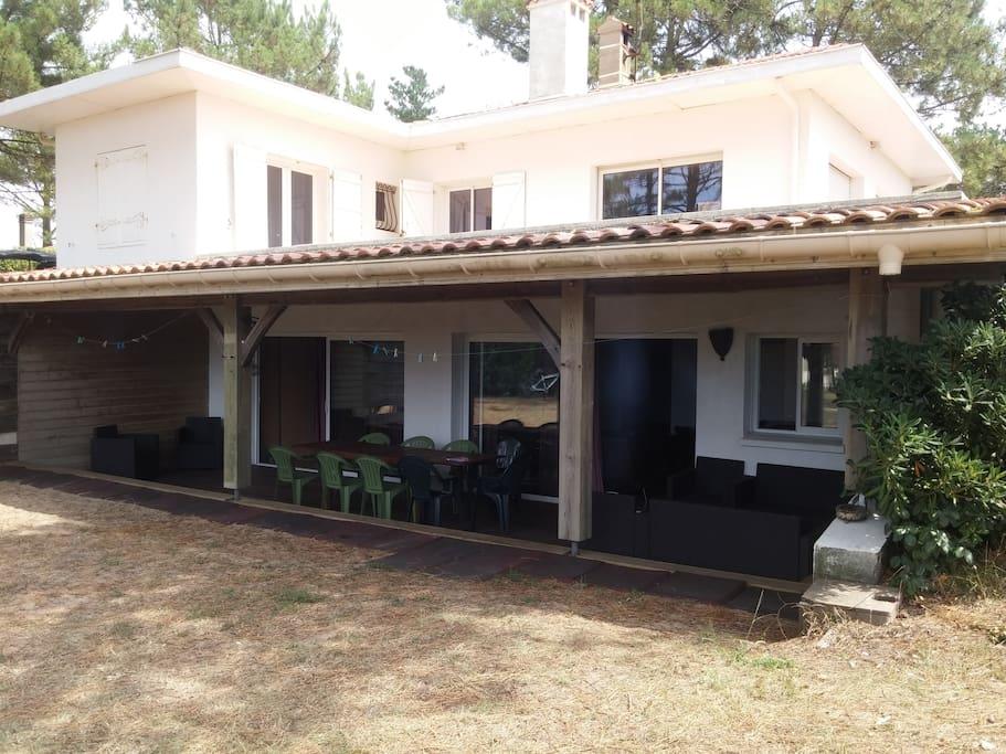 terrasse couverte et ombragée