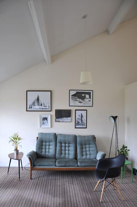 living room_relaxing