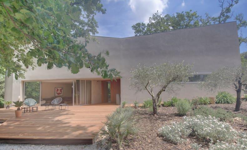 Modern house in Aix en Provence